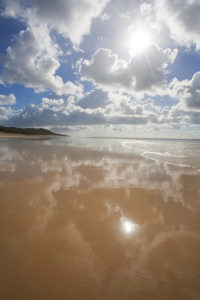 photo credit: Darran Leal  -  Fraser Island eastern beach via photopin (license)